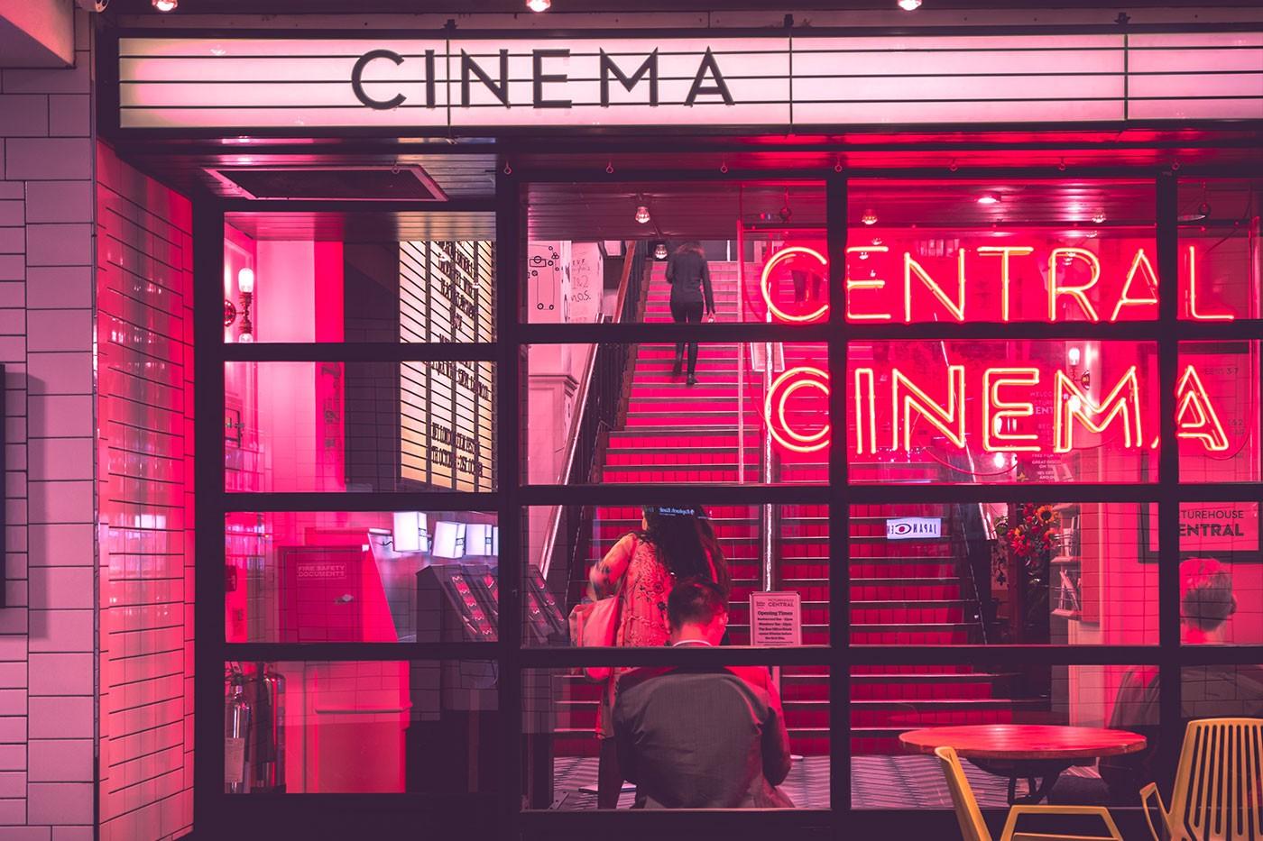 7 filmes (e meio) sobre escritores disponíveis no Netflix para você se inspirar
